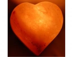 Lámpara sal himalaya en forma de corazón