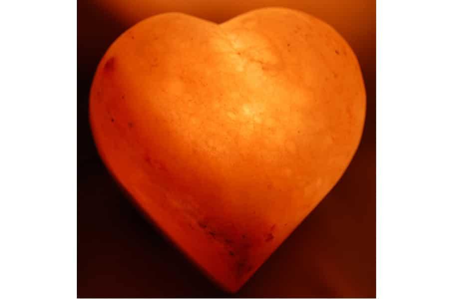 Lámpara De Sal Del Himalaya En Forma De Corazón