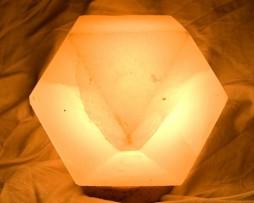 Lámpara de sal de los Himalayas geométrica