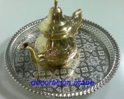 Tetera marroquí dorada