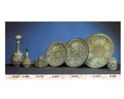 Botellas, tinteros y platos de cerámica andaluza