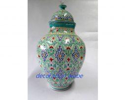 Farol árabe de la artesanía marroquí ideal para poner una vela tanto en el interior de la casa en una mesa, como el exterior. Calidad y diseño árabe. También se le puede poner una instalación eléctrica.
