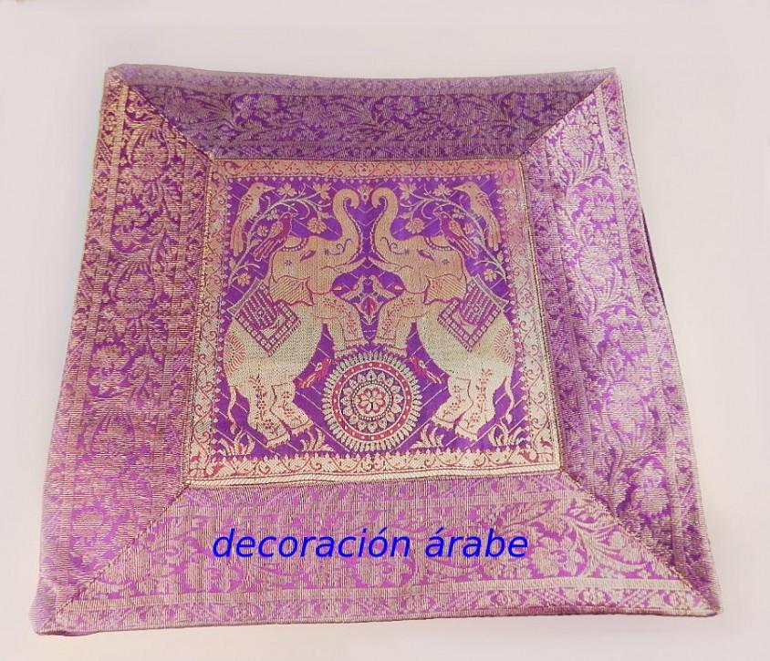Cojines arabes beautiful rabes la impresin del estilo - Sofas arabes baratos ...