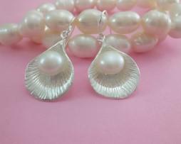 Pendientes tailandeses de plata y perla natural
