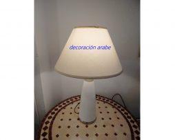 lámpara mesa árabe blanca