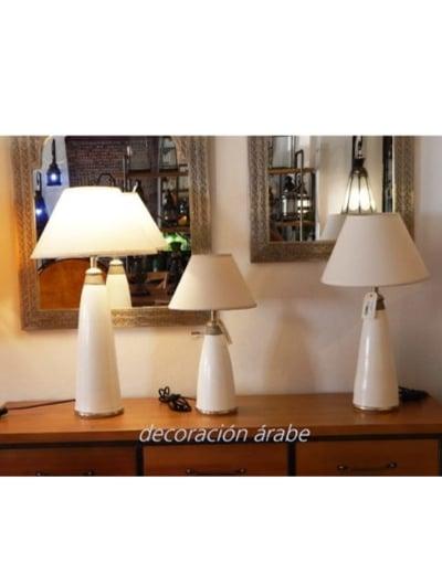 lampara de mesa blanca
