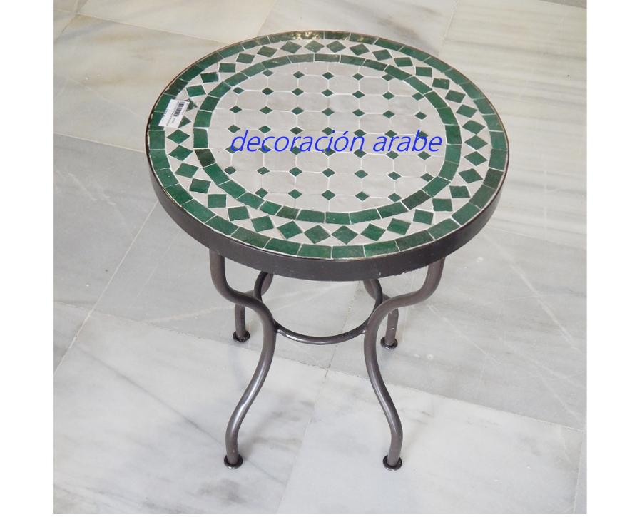 Mesa rabe de mosaico redonda y forja verde y blanca - Mesa jardin plastico verde ...