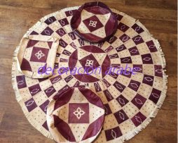alfombra  africana  de Niger, cuero morado y blanco