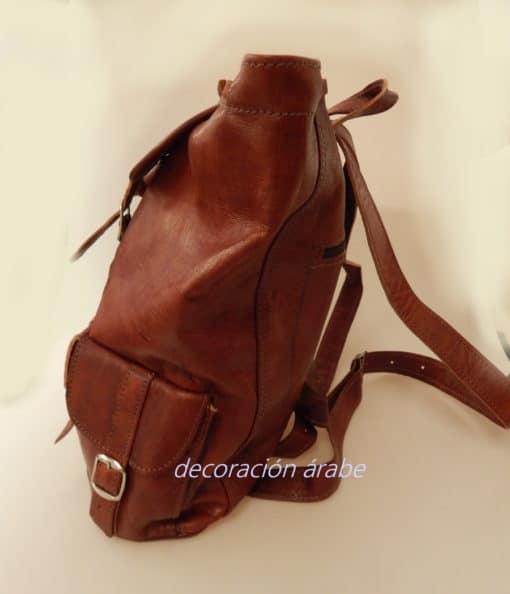 mochila cuero marrón