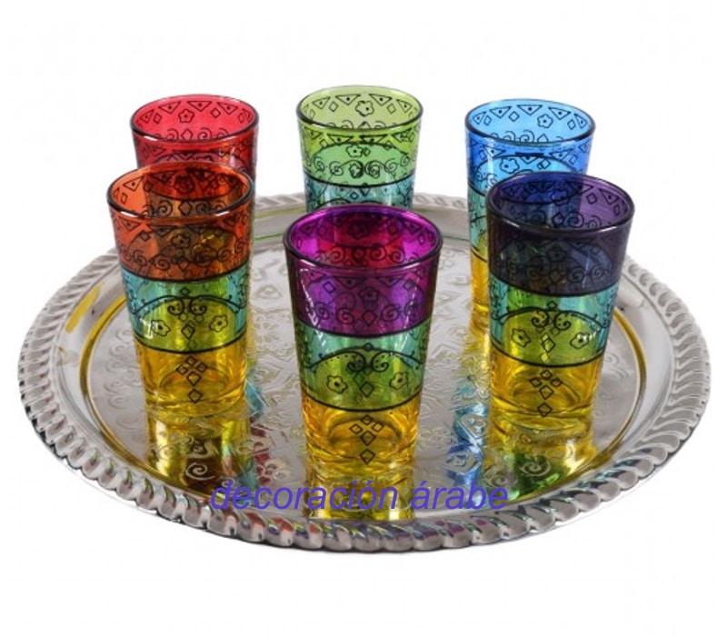 vasos de té árabes