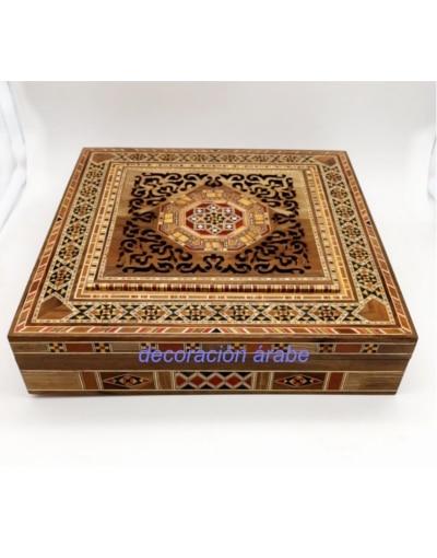 caja de taracea de Siria