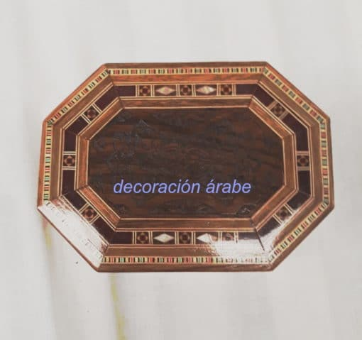 caja octogonal siria