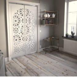 Puerta de celosía de madera