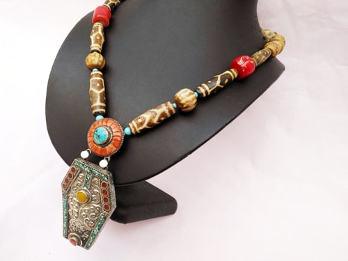 collar tibet coral turquesas